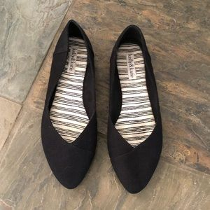 Kelly&Katie pointed toe flats